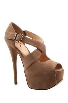 Luichiny Wide Eyed Strappy Pump