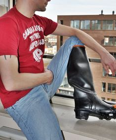 Wellington Boot, High Boots, Sexy Men, Hot Guys, Working Men, Leather, Outfits, Muscle, Fashion