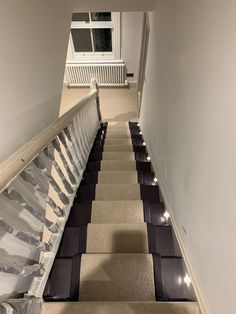 Crucial Trading Storm Wool Loop finished with black fabric edging. Fitted by Elliot & Ben 👍 Flooring Shops, Types Of Flooring, Home Depot Carpet, Carpet Styles, New Carpet, Persian Carpet, Carpet Runner, Beautiful Homes, Stairs