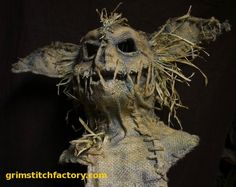 amazing gremlin-esque scarecrow mask by grimstitchfactory! amazing gremlin-esque scarecrow mask by grimstitchfactory! Halloween Prop, Outdoor Halloween, Diy Halloween Decorations, Holidays Halloween, Halloween Projects, Halloween Costumes, Witch Costumes, Halloween Halloween, Halloween Makeup