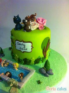 Tarta fondant piscina. Fondant cake www.facebook.com/GloriaCakes www.gloriacakes.com #swimmingpoolFondant #anniversaryCake #birthdayCake
