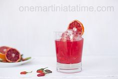 Spicy Redhead Margarita {with Thai Chili Infused Tequila} - love the color of this blood orange drink! Mixed Drinks Alcohol, Drinks Alcohol Recipes, Non Alcoholic Drinks, Cocktail Recipes, Wine Recipes, Gourmet Recipes, Tequila Drinks, Beverages, Spicy Drinks