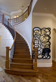 Love the mirrow next to the stairs!