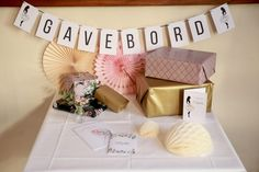 10 Chic Ideas for Winter Party Décor Seating Plan Wedding, Wedding Menu, Wedding Guest Book, Elegant Wedding, Wedding Cards, Diy Wedding, Wedding Centerpieces, Wedding Decorations, Table Decorations