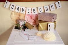 10 Chic Ideas for Winter Party Décor Seating Plan Wedding, Wedding Menu, Wedding Guest Book, Elegant Wedding, Wedding Cards, Diy Wedding, Rustic Place Cards, Wedding Centerpieces, Wedding Decorations
