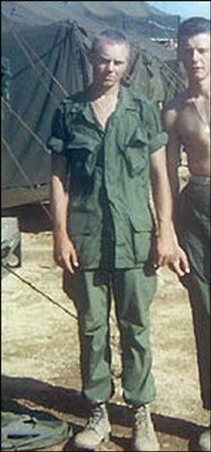 Virtual Vietnam Veterans Wall of Faces | RICHARD P MCSTRAVICK JR | MARINE CORPS