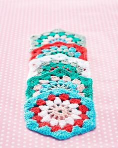 Ravelry: Hexagon Grannies pattern by Helen Ardley