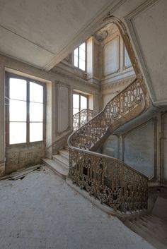LeLuxographe | Small craft in a milk sea | Stairs in an abandoned chateau, in France.