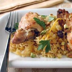 Shireen Palow / Afghan Orange Rice with Chicken Recipe (Cooking Light) Afghan Food Recipes, Rice Recipes, Chicken Recipes, Cooking Recipes, Orange Rice Recipe, Afghanistan Food, Middle Eastern Recipes, Cooking Light, Caramelized Onions