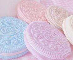 Isabel Pink xoxoxo pastel Oreos desserts kawaii food retro aesthetic vibes Easter images Image about pink in pastel by 𝓬𝓪𝓻𝓵𝔂 ♡ on We Heart It Rainbow Aesthetic, Retro Aesthetic, Aesthetic Food, Aesthetic Drawing, Aesthetic Gif, Aesthetic Makeup, Aesthetic Clothes, Bonbons Pastel, Oreos
