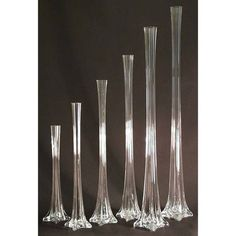 Made from heavy duty glass and is a top choice for flower shops & wedding planner. Make your wedding incredible and memorable. Allows you to have stunning wedding centerpieces without obstructing your