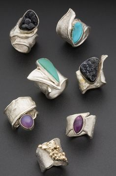 ☮️ American Hippie Bohéme Boho Style Jewelry ☮️ Rings Silver, gold and gemstones in asymmetrical, off centre and wrapped rings Metal Jewelry, Jewelry Art, Sterling Silver Jewelry, Jewelry Rings, Jewelry Accessories, Fine Jewelry, Jewelry Design, Fashion Jewelry, Jewelry Making