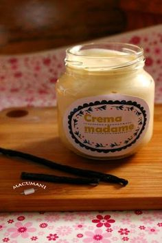 CREMA MADAME Spanish Desserts, Salsa Dulce, Sweet Sauce, Flan, No Bake Desserts, Cake Pops, Low Carb Recipes, Candle Jars, Creme