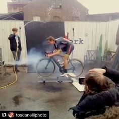 Thank you for sharing this fun BTS video with us @toscanelliphoto!! ----------------------------------------------------Repost @toscanelliphoto: #toscanelli #ivantoscanelliphotography #bts #behindthescenes #cycling #cyclingshots #btsvideo #elinchrom #makingof #famousBTSmag #behindthescenesvideo #strobephotography #bikingrepost Added by us: #setlife #onlocation #famousbtsmagazine #famousbtsvideo