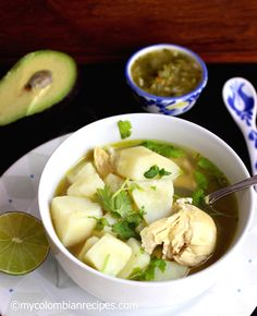 Caldo de Pollo con Papa ( Chicken and Potatoes Broth) Colombian Dishes, My Colombian Recipes, Colombian Cuisine, Pollo Chicken, Chicken Soups, Chicken Potatoes, Grilled Beef, Comida Latina, Gastronomia