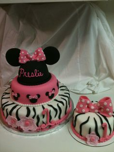 Omg this is the perfect cake ! And it has our next baby girl name on it (when we have another )