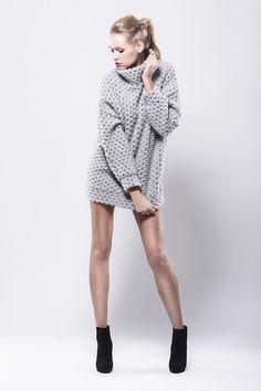 Długi wełniany sweter z golfem - fADD - Swetry i bezrękawniki