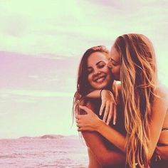 🌊Pictures To Take With Your Best Friend At The Beach🐚☀️