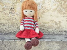 Amelia Doll  Sweetest face.  found on Shareapattern.com by whimsicallittlefox