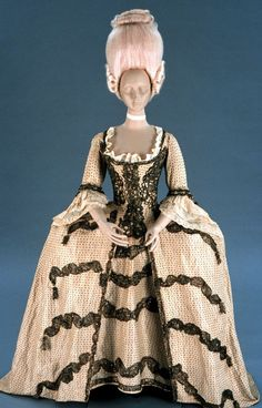 Formal or Court Gown, Britain, 1780-1790, Silk woven with silver-gilt threads, trimmed with silver-gilt lace, sequins, gimp, and tassels, bodice lined with linen. (c) Colonial Williamsburg [Isn't the pink wig fab?!]