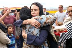 In the wake of the Christchurch attack, New Zealand Prime Minister Jacinda Ardern hugs a mosque-goer at the Kilbirnie Mosque in Wellington on March Martin Luther King, French President, Nobel Peace Prize, Powerful Images, World Leaders, George Washington, Muslim, New Zealand, Leadership