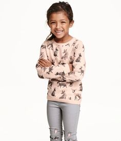 Soft, fine-knit sweater in cotton with a printed design and long sleeves.