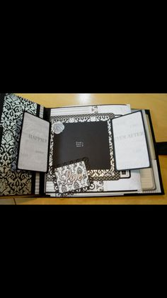 Retrospection 365 Album created by crafter Suzanne Hue.   Click on the link below to purchase the tutorial.   http://shop.paperphenomenon.com/Retrospection-365-Tutorial-and-How-to-Videos-TUT083.htm