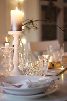 LA PETITE PRINCESSE: Valkoista, rouheaa ja kimaltavaa - kaunis joulukattaukseni.