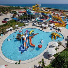 Doğal güzelliklerin tarihi zenginlikleri kucakladığı Nashira Resort Hotel & Spa'da; tatilinizi masala dönüştürün! Tatildays'in erken rezervasyonları fırsatları sizleri bekliyor.  Bilgi ve Rezervasyon:  ☎ 0212 211 40 20 - 21