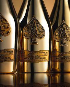 Armand de Brignac, Brut Gold Champagne (Ace of Spades) Bon Champagne, Champagne Bottles, Champagne Images, Cristal Champagne, Spade Champagne, Champagne Brands, Tequila Bottles, Champagne Party, Champagne