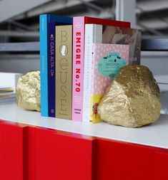 DIY - Gold rock bookends