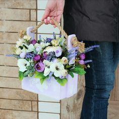 ТОПИАРИИ СВОИМИ РУКАМИ Beautiful Flower Arrangements, Wedding Flower Arrangements, Floral Arrangements, Beautiful Flowers, Flower Box Gift, Flower Boxes, Valentines Flowers, How To Preserve Flowers, Container Flowers