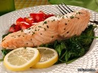 Fresh spinach adds that touch of elegance to heart-healthy salmon fillets. Our Salmon Florentine sounds fancy, but this easy fish recipe is as at home for a weeknight meal as it is super for a company meal.