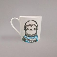 Which Animal are you? Nice size bone china tea mug, perfect for a decent cuppa! Hand decorated in the UK Material: bone chinaDimensions: 9x8cmHand decorated in