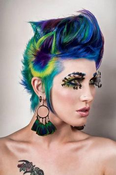peacock hair... i'd never do this but that's amazing