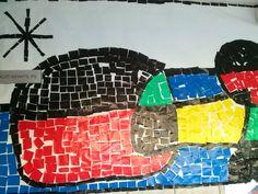 Mosaic de l'aeroport fet amb paper xarol sobre paper d'embalar blanc, amb els mateixos colors que va utilitzar Miró.