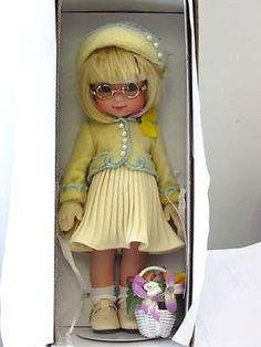 "Mary Englebreit Ann Estelle Tonner Doll still in Box ""May Day Suit""   -   SHE'S TOO CUTE w those glasses"