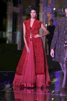 Tarun Tahiliani. Amby Valley IBFW 11'. Indian Couture.