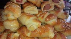 Φτιάχνουμε πιτάκια με αφράτη ζύμη Άτσμα & ότι γέμιση θέλετε! Greek Pita, Greek Cooking, School Snacks, Pretzel Bites, Macaroni And Cheese, Sausage, Bread, Ethnic Recipes, Food