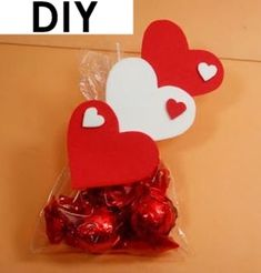 Trending Mother's Day Gifts Guide Valentines Gifts For Boyfriend, Valentine Day Love, Valentine Crafts, Boyfriend Gifts, Holiday Crafts, Diy Crafts To Sell, Crafts For Kids, Die A, Candy Bouquet