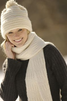 Classic Merino Hat and Scarf | Authentic Knitting Board | All-in-One Loom Free Pattern