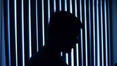 """Medo ou desconhecimento? Nesse artigo conheça 8 sintomas de pessoas que levam a vida com o que chamamos de """"depressão mascarada"""", doença que elas tentam esconder ou mesmo que nem sabem que têm."""