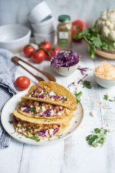 Sautéed Cauliflower Tacos are a delightful and satisfying vegetarian meal for whole family.Life can be hectic. That's why we love any meal that is easy to pull together after a stressful day. Mexican Food Recipes, Vegetarian Recipes, Cooking Recipes, Healthy Recipes, Quiche, Healthy Snacks, Healthy Eating, Cauliflower Tacos, Food Photography