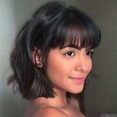 Cute Short Haircuts for Women in 2019 We have chosen best short hairstyles for Women in 2019 so you can choose the short haircut that suits you best, choose one that suits your face shape, and color of your skin. Short Haircuts With Bangs, Haircuts For Wavy Hair, Haircut For Thick Hair, Bob Haircut With Bangs, Cute Haircuts, Bob Haircuts, Bangs Short Hair, Messy Bangs, Bob Bangs