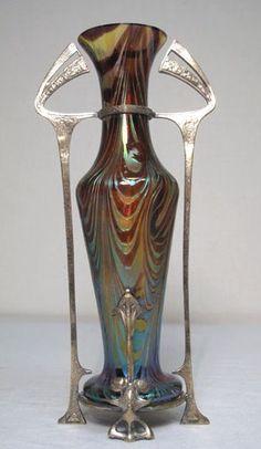 Loetz - Antique Art Nouveau Art Glass Vase In Metal Armature. Belle Epoque, Motifs Art Nouveau, Art Nouveau Design, Vintage Vases, Vintage Art, Jugendstil Design, Antique Glass, Antique Art, Deco Originale