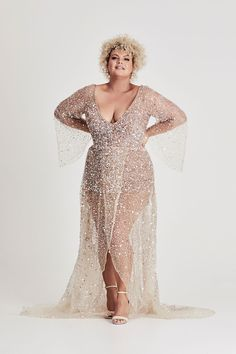 Fashionista one-shoulder textured beadwork feather dress by JovaniUnique and fashionable, this feather embellished prom gown. Gold Wedding Gowns, Plus Wedding Dresses, Wedding Dress Sleeves, Plus Size Wedding, Bridal Gowns, Bridesmaid Dresses, Plus Size Elopement Dress, Sparkly Bridesmaids, Couture Wedding Gowns