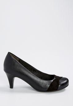 paige comfort pump in black
