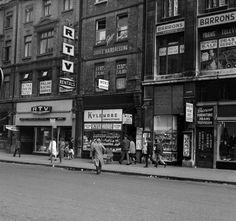 North Earl Street, Dublin 1963 Dublin Street, Dublin City, Old Pictures, Old Photos, Ireland Homes, Dublin Ireland, England Uk, Molly Malone, Street View