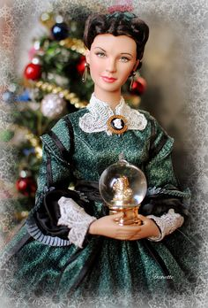 vivien leigh barbies by tonner Christmas Barbie, Barbie Gowns, Beautiful Barbie Dolls, Gone With The Wind, Barbie Collector, Barbie World, Barbie Friends, Ooak Dolls, Doll Face