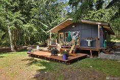 Langley Cabin - A 528 square feet waterfront cabin in Langley, Washington | pinned by haw-creek.com